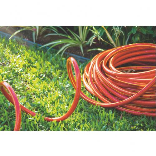 """Mangueira NTS® 1/2"""" Tramontina Antitorção Vermelha em PVC 5 Camadas 30 m com Engates Rápidos e Esguicho"""